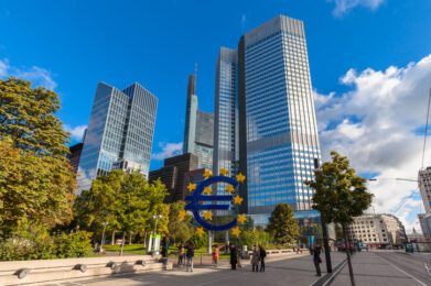 Bce lancia quantitative easing da 750 miliardi per l'emergenza Coronavirus
