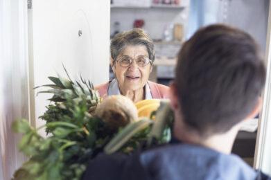 """Coronavirus; Regione Lazio sigla Protocollo d'Intesa per """"Spesa facile"""" servizio di consegne a domicilio"""